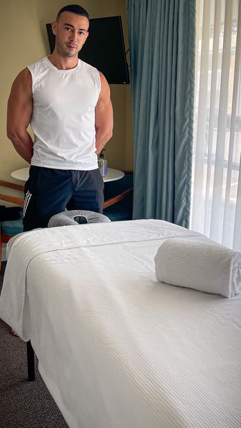 Male Massage <i>by Matt</i>